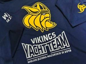 Koszulki reklamowe bawełniane i techniczne dla żeglarzy z nadrukiem - projekt i wykonanie.